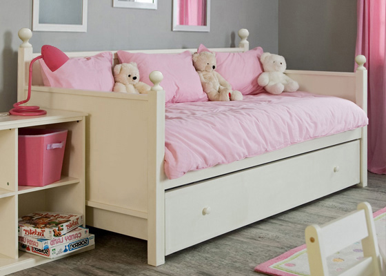 children's bedroom furniture - sara day bed for girl